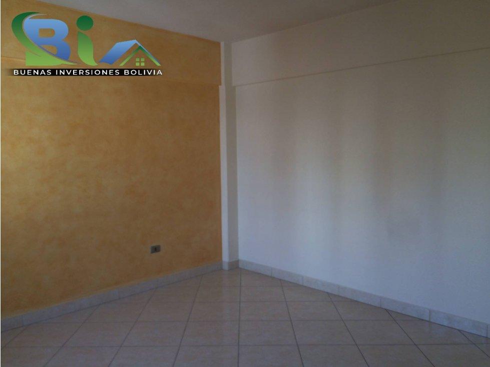 Casa en Alquiler $us1000CASA EMPRESA/FAMILIA PROX PLAZA QUINTANILLA Foto 17