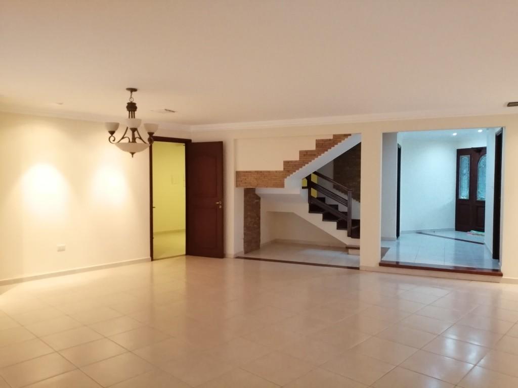 Casa en Alquiler COND. BARRIO NORTE EN ALQUILER ELEGANTE RESIDENCIA Foto 2