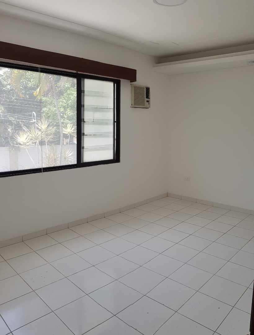 Casa en Alquiler LINDA CASA EN URBARI-  2 DORMITORIOS  Sus. 600.- Foto 3