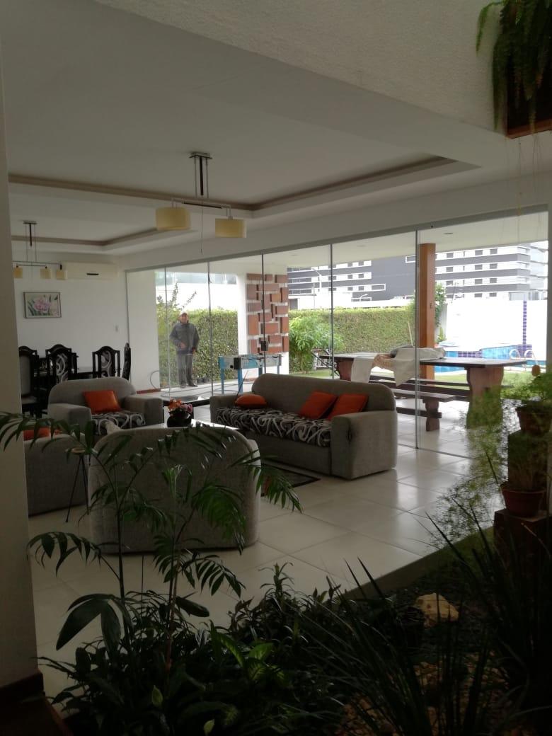 Casa en Alquiler Condominio exclusivo a pocos minutos del puente Urubó  Foto 14