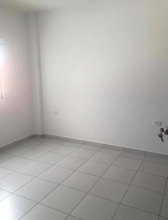 Departamento en Anticretico Calle Ballivian y 1er anillo  Foto 9