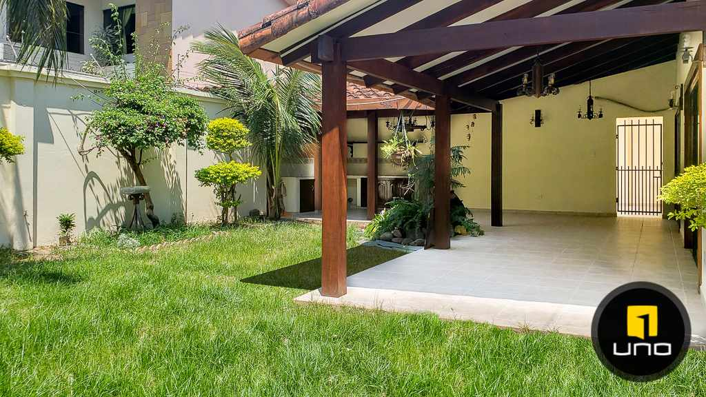 Casa en Venta Hermosa casa en venta en Equipetrol Foto 10