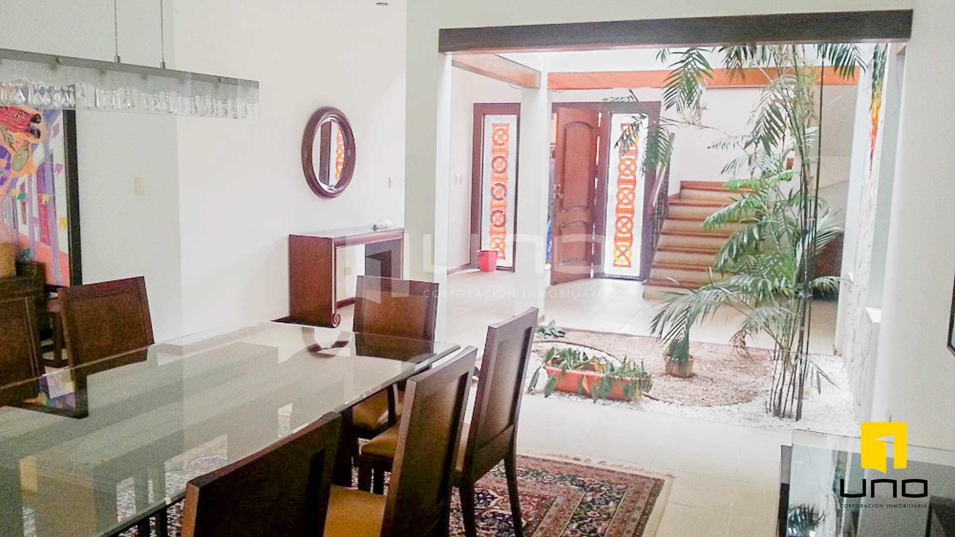 Casa en Alquiler Barrio Las Palmas alquilo amplia casa  con muebles y piscina Foto 11