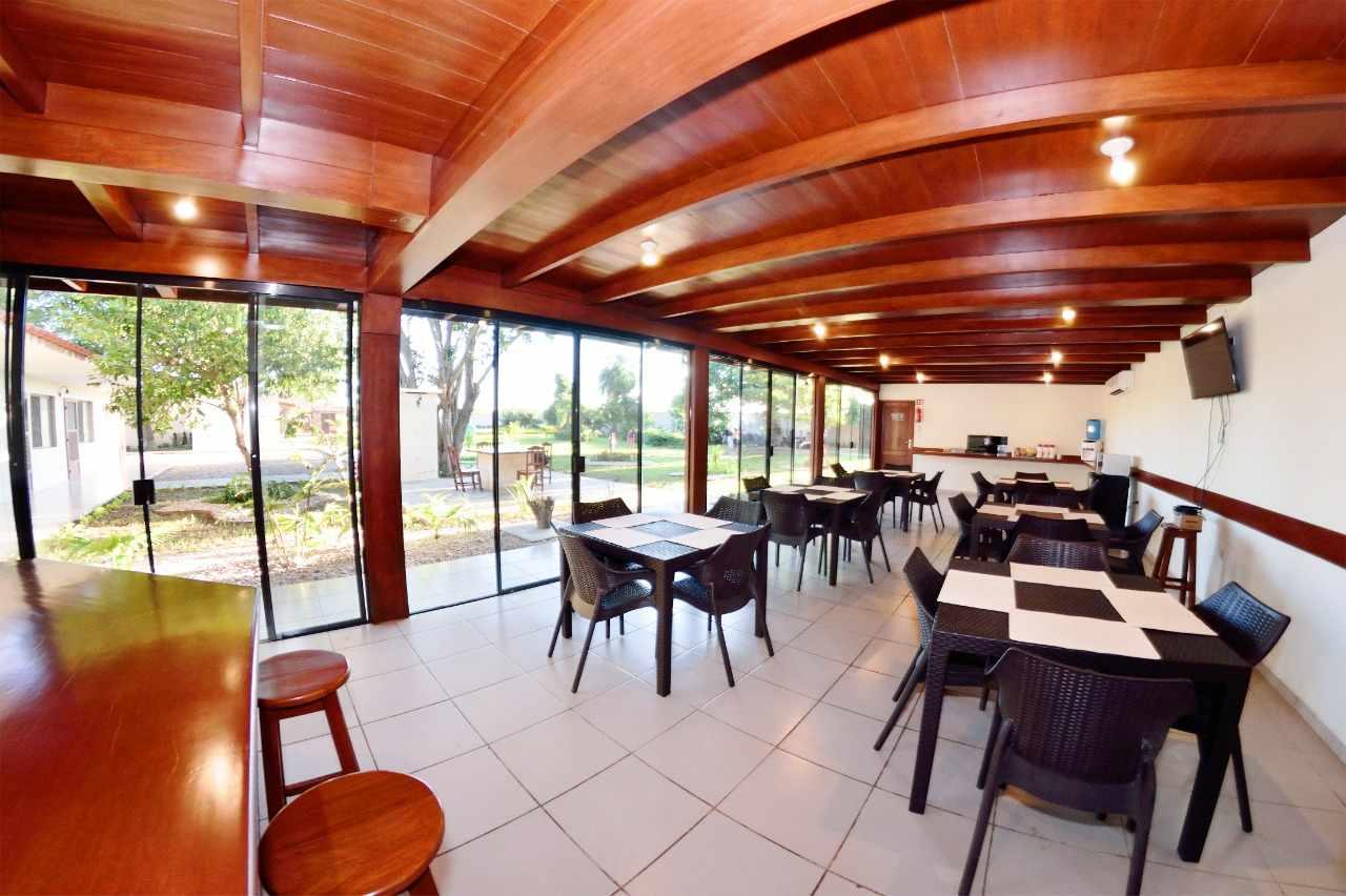 Casa en Venta Sobre el segundo anillo de Warnes a 5 minutos de la plaza principal de Warnes y a 5 minutos del Parque Industrial Latinoamericano.  Foto 6