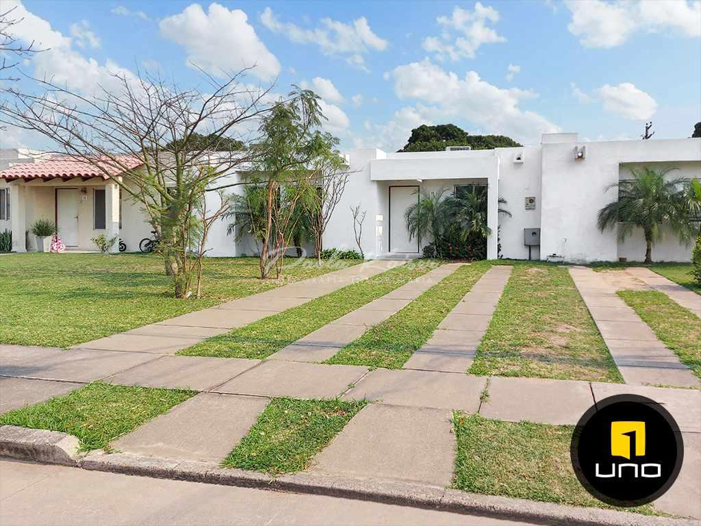 Casa en Venta Av. Banzer Km 9, Condominio Foto 2