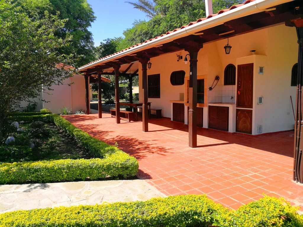 Casa en Venta Sobre el segundo anillo de Warnes a 5 minutos de la plaza principal de Warnes y a 5 minutos del Parque Industrial Latinoamericano.  Foto 13