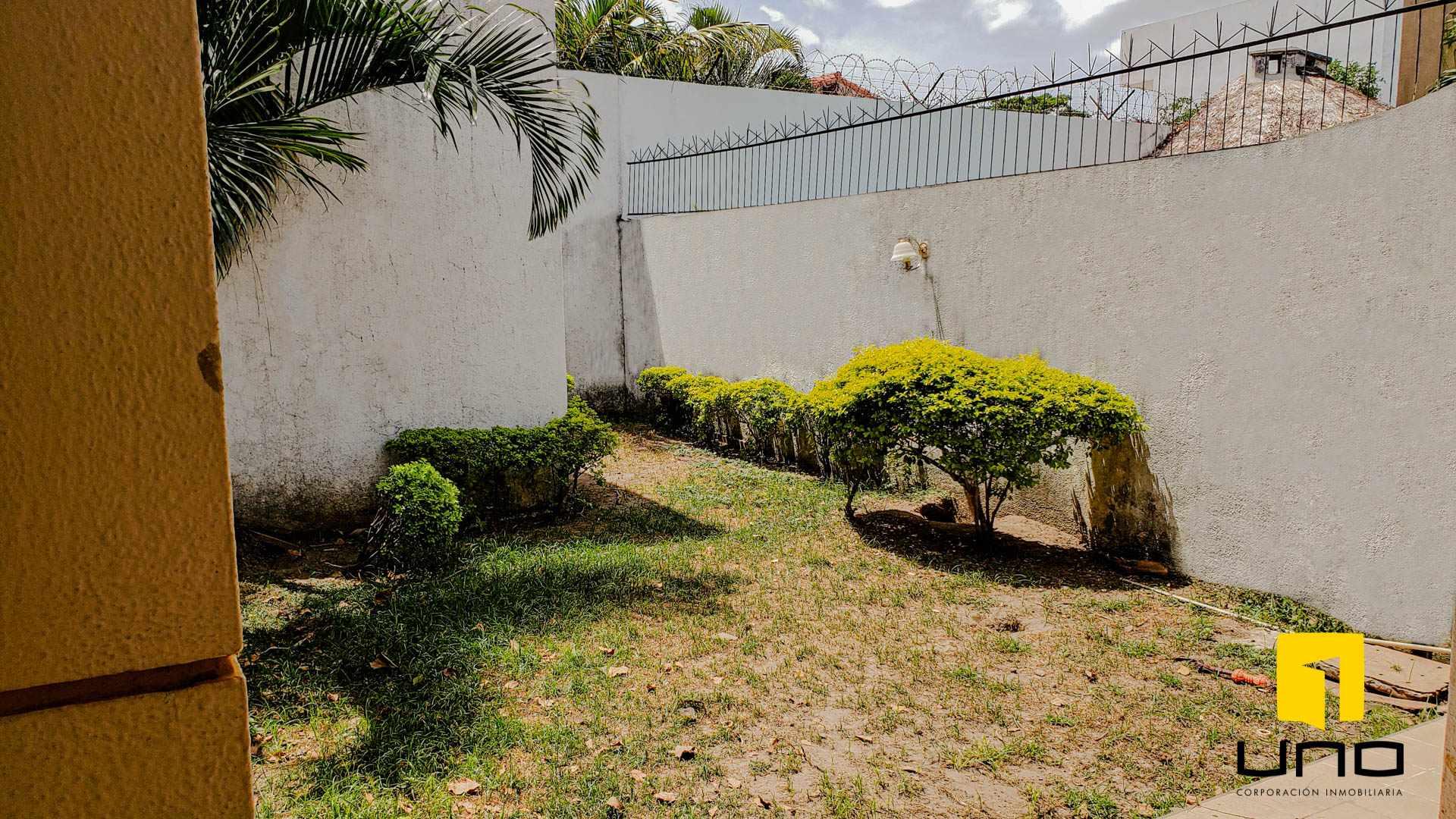 Casa en Venta $us 260.000 VENDO CASA BARRIO LAS PALMAS Foto 3