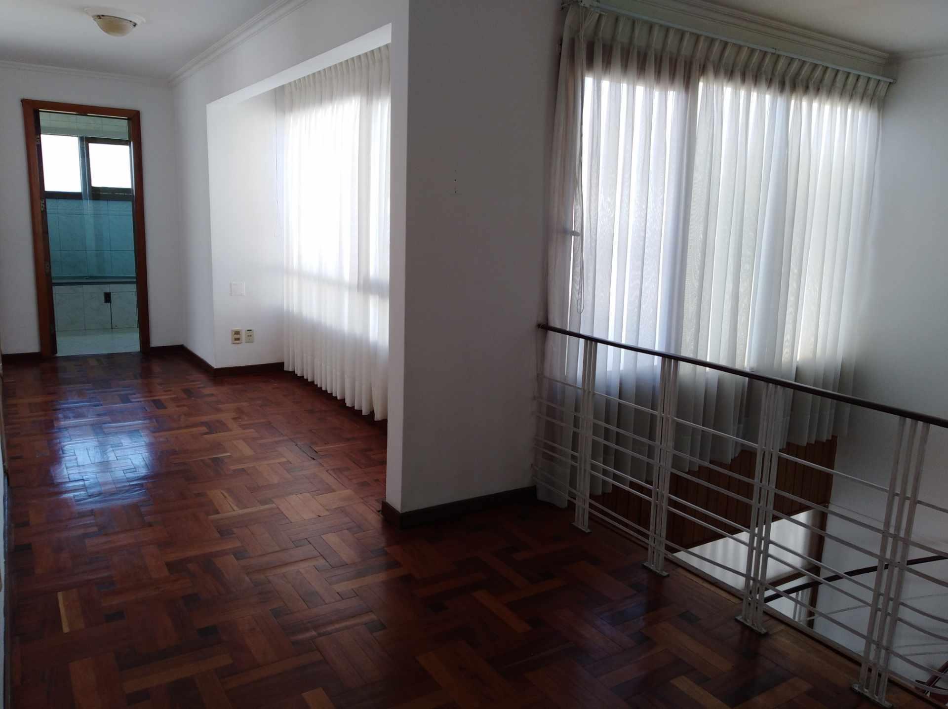 Casa en Alquiler CALACOTO calle 16 a 1/2 cuadra de la Av. Julio C. Patiño.  Foto 48