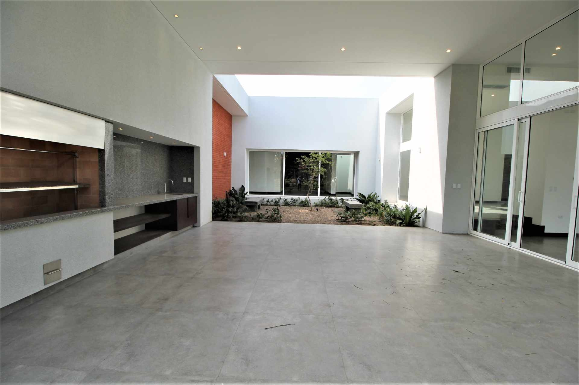 Casa en Alquiler Av. Pirai 5to Anillo - Condominio Cerrado Foto 5