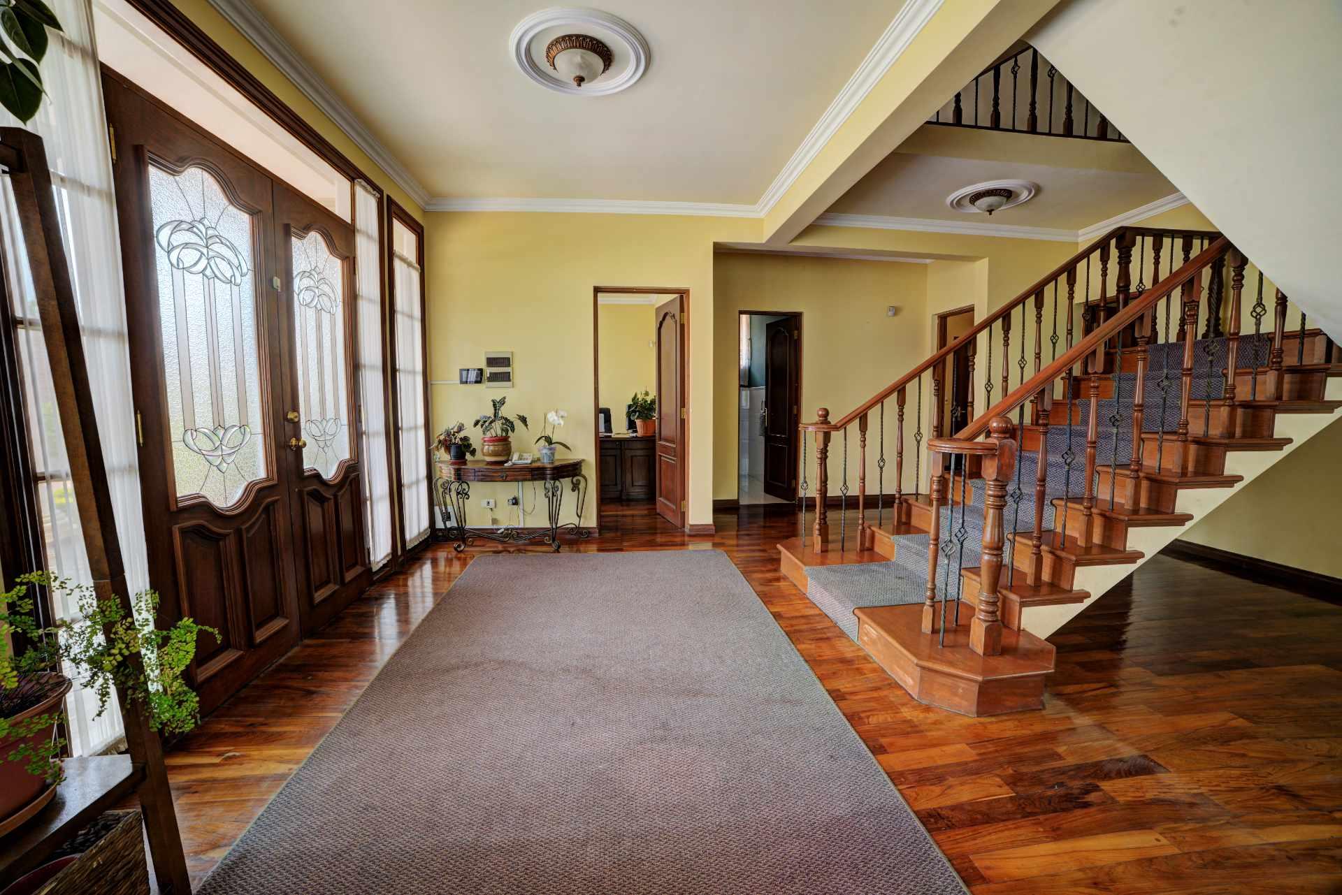 Casa en Venta PRECIOSA Y AMPLIA CASA - ZONA FINAL AMÉRICA OESTE Foto 7