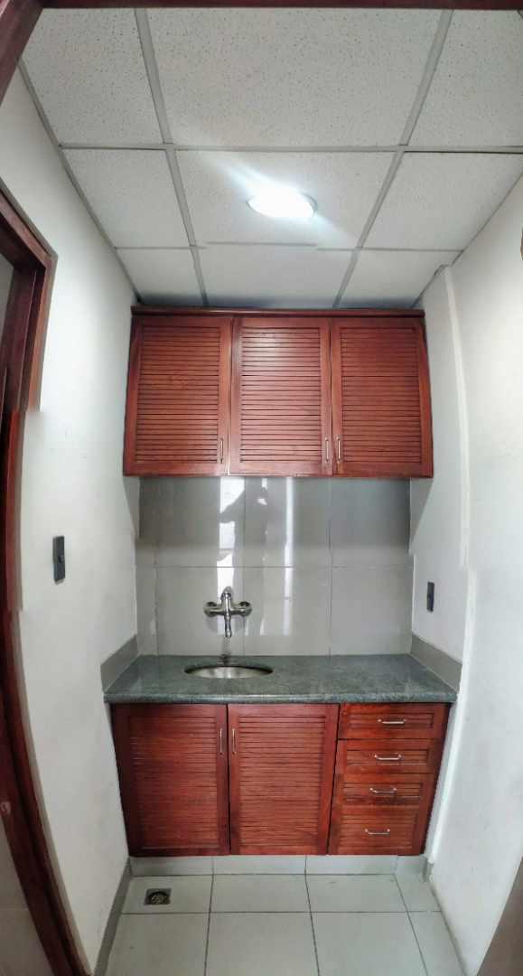 Oficina en Alquiler Av. Ballivian Esq. Calle 13 de Calacoto Foto 7