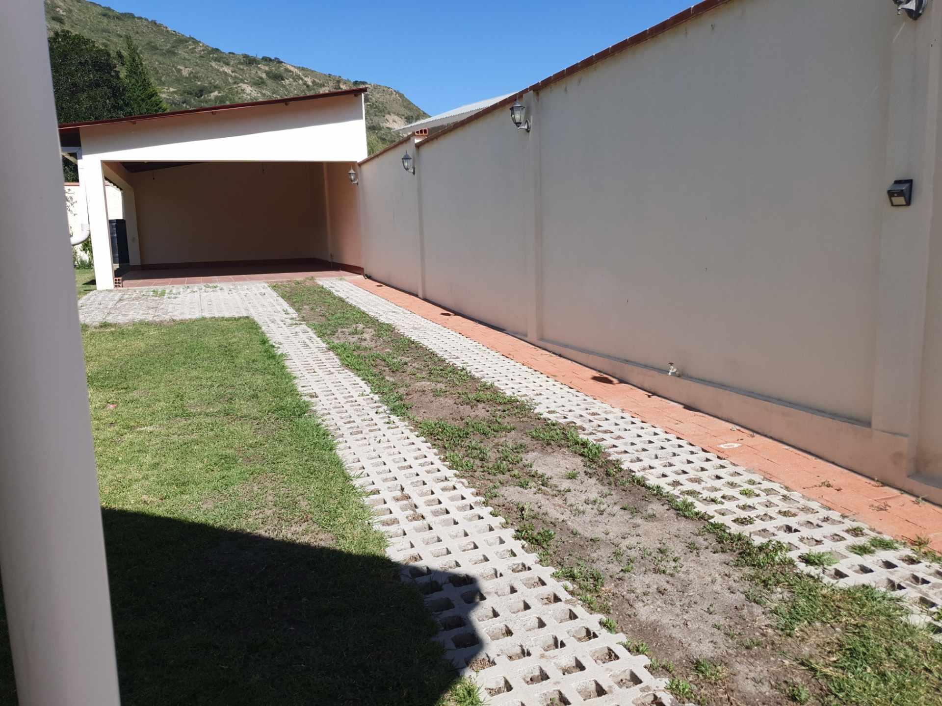 Casa en Venta Zona Sur, Huajchilla. Urbanizacion Bartos. Foto 4