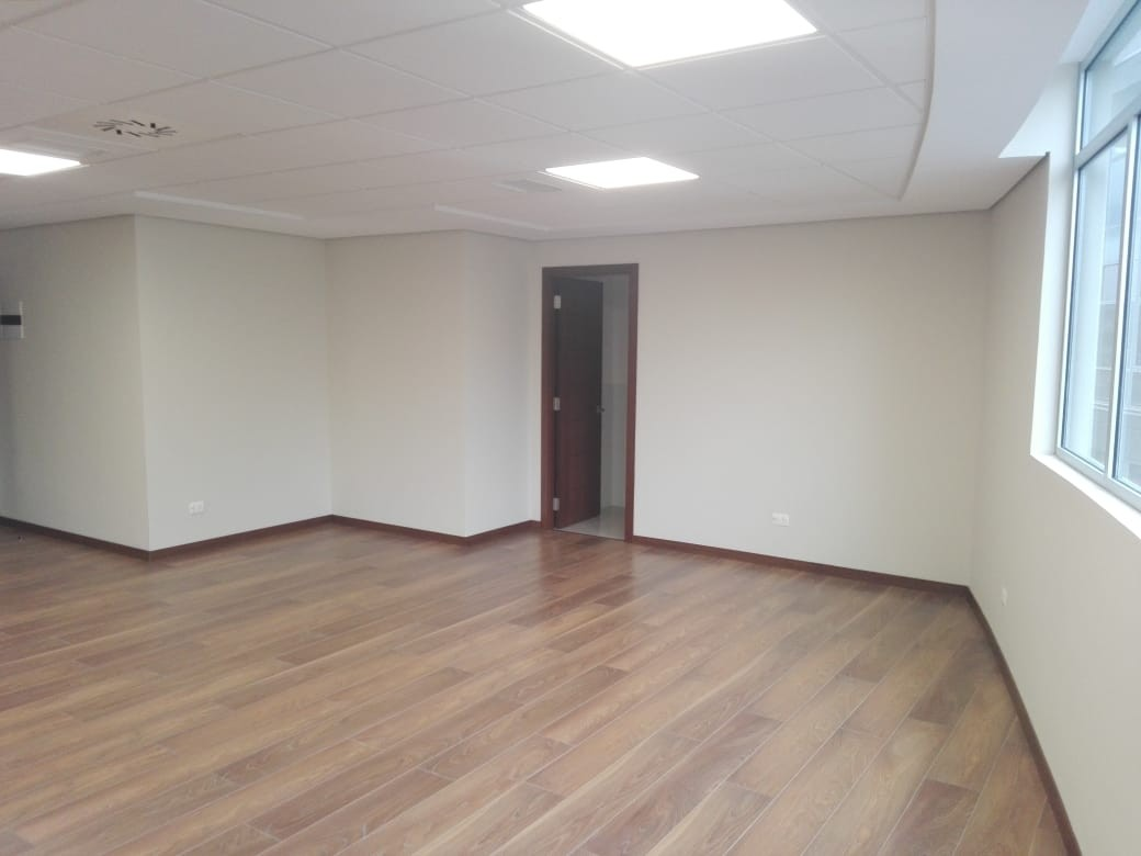 Oficina en Alquiler Av. Arce, plaza Isabel la Católica, las Torres Mall , torre B, piso 11, zona San Jorge  Foto 7