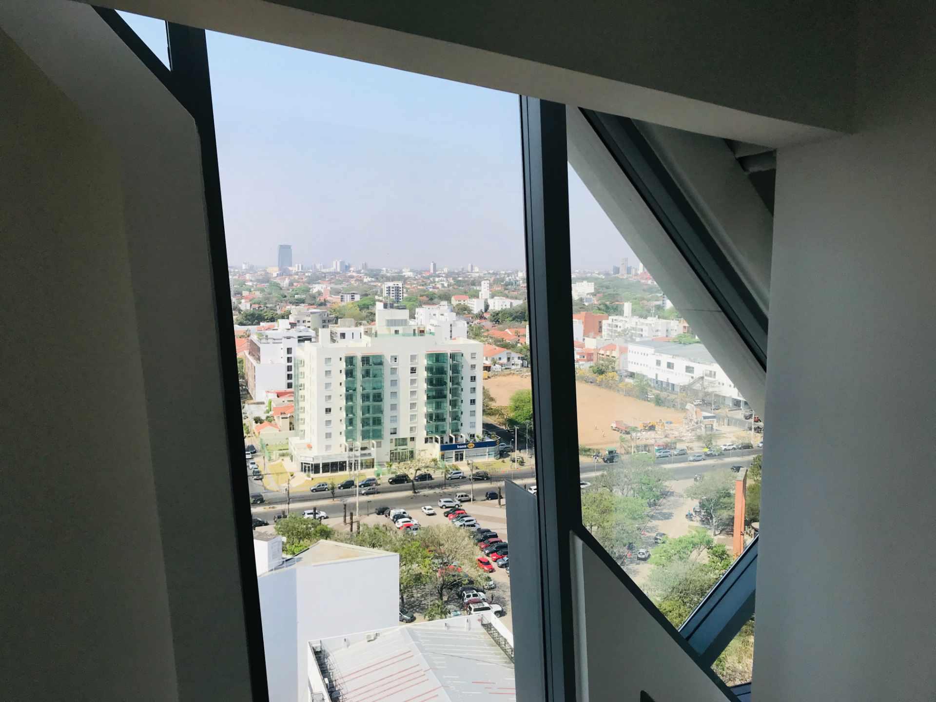 Oficina en Venta Torre de Negocios ALAS. Equipetrol Norte zona Empresarial, Av. San Martín entre 3er y 4to anillo.  Foto 6