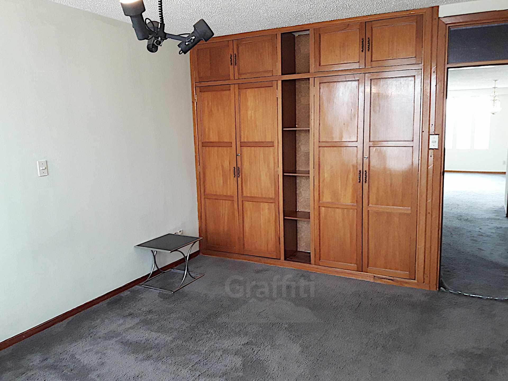 Departamento en Venta Irpavi, calle 2 Foto 7