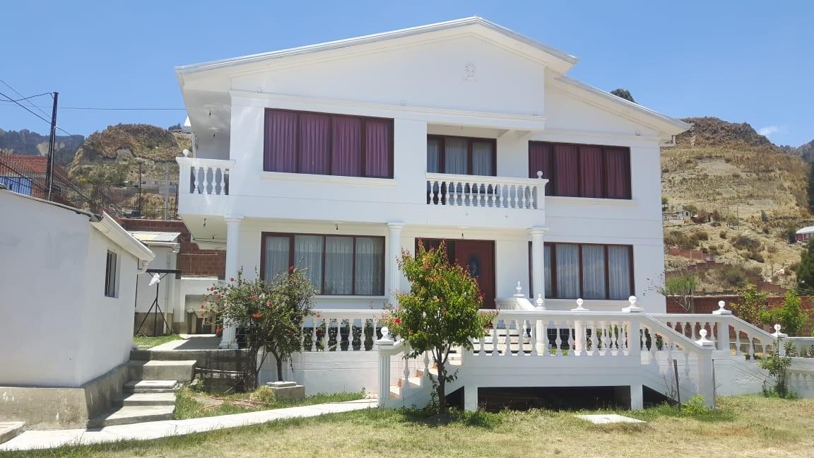 Casa en Anticretico Casa en ANTICRETICO NO MASCOTAS Las Rosas Zona Achumani La Paz todos los servicios y jardines Foto 23