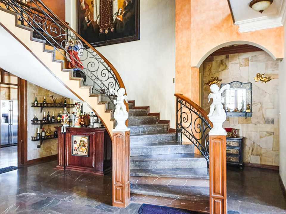 Casa en Venta Hermosa residencia en venta en Cochabamba Foto 4