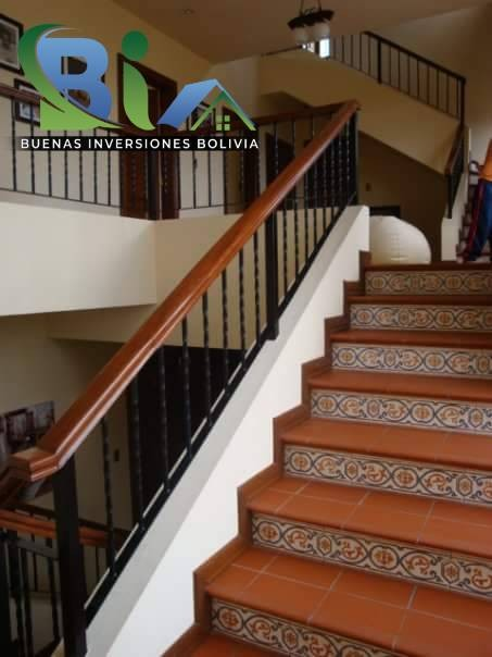 Casa en Alquiler $us.1800 ALQUILER RESIDENCIA COLONIAL 1100M2 URB. BOSQUE SUR Foto 14