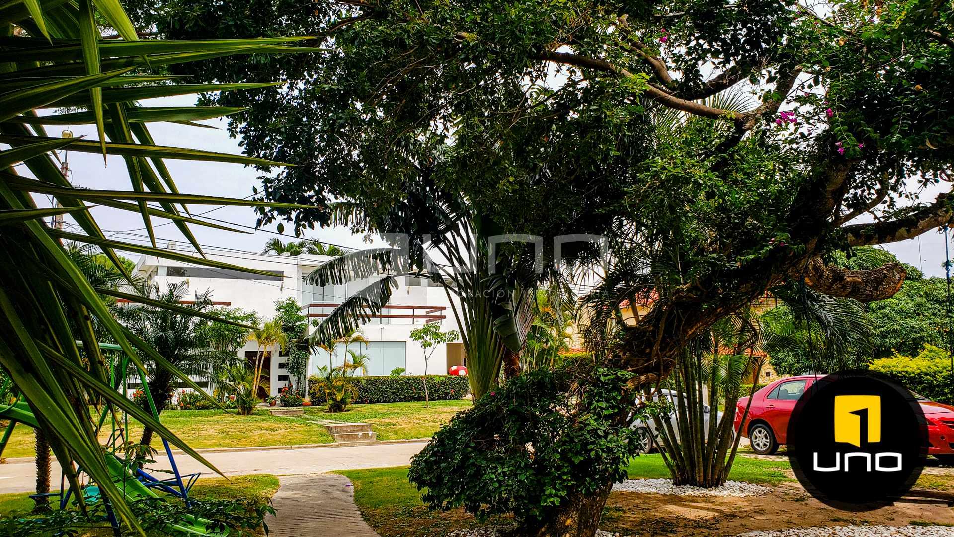 Casa en Venta LOS PARQUES DEL URUBO VENDO CASA DE UNA PLANTA Foto 2