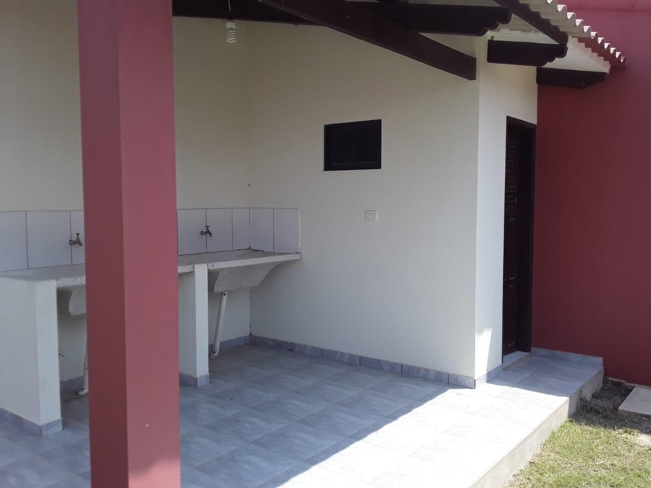 Casa en Venta URBANIZACION LOS PIYOS DOBLE VIA LA GUARDIA KM 9 Foto 3